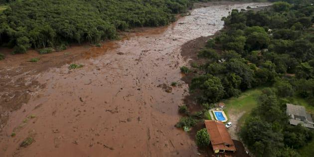 汚泥に埋め尽くされたブラジル・ブルマジーニョの農村地帯(1月25日撮影)