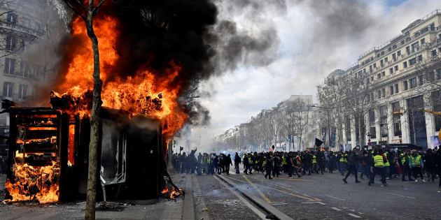 """""""Ceux que j'appelle les Ingouvernables (l'ultragauche) parasitent, chaque samedi davantage, une couleur jaune devenue un prétexte commode pour contester violemment le capitalisme et l'État."""""""