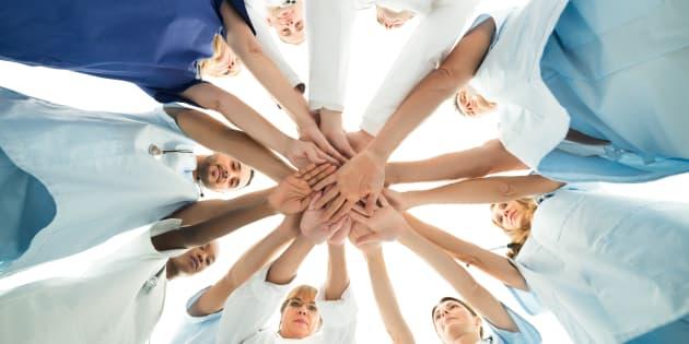 Dans le secteur public, les syndicats sont à pied d'œuvre pour consulter les travailleuses et travailleurs en vue de la négociation des conventions collectives locales.