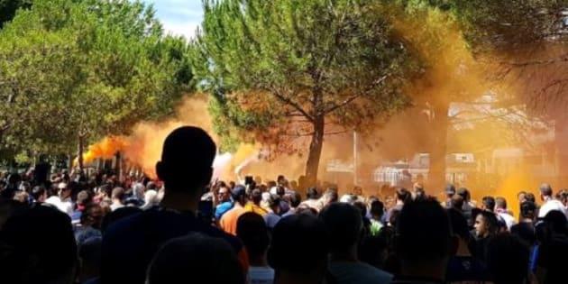 Des centaines de supporters ont rendu hommage à Louis Nicollin à Montpellier.