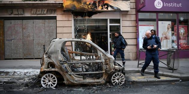 L'acte IV de la mobilisation des gilets a provoqué des dégâts dans plus de quartiers de Paris, comme ici dans le quartier des Halles.