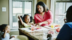 7 Ways To Avoid Arguments At The Dinner Table, For Parents Of Fussy
