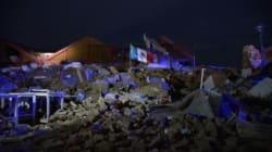 Un drapeau dressé sur les ruines: la photo que les Mexicains partagent après le