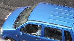 Nonno si droga in auto nel centro di Livorno davanti al nipotino di 5