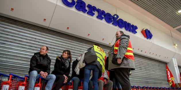 Grève à Carrefour: pour calmer la fronde des salariés, la direction propose un bon d'achat de 150 euros