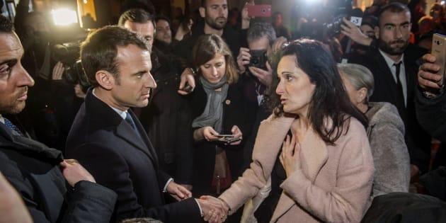 En Corse, Macron interpellé en pleine rue par la femme d'Yvan Colonna