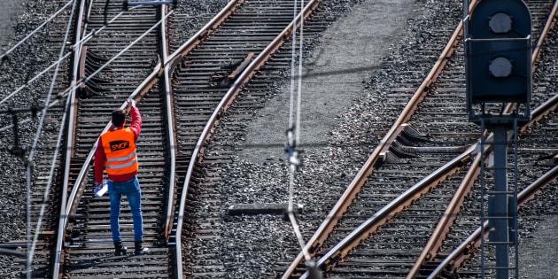 """Avant la grève, la SNCF élargit sa prime pour les """"conducteurs occasionnels"""", les syndicats s'indignent"""