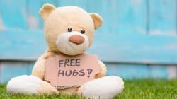 Giornata mondiale della gentilezza: dire grazie o dare una carezza e il valore grande di piccoli gesti