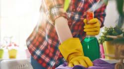 Faire le ménage et marcher pour aller au travail peut sauver des