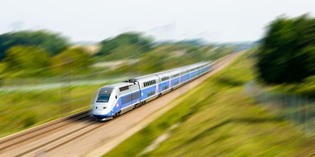 Une balle traverse la vitre d'un TGV et se fiche dans un appui-tête (photo d'illustration).