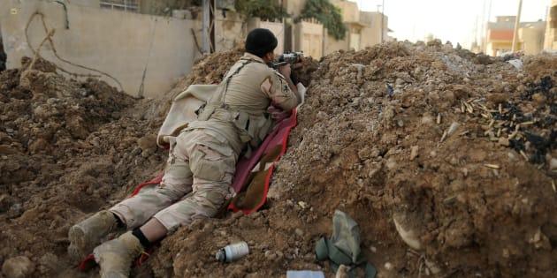 """L'armée irakienne face à la """"résistance féroce"""" de Daech à Mossoul"""