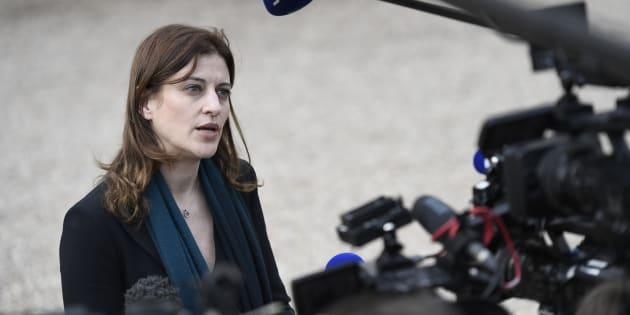 La secrétaire d'État chargée de l'Aide aux victimes, Juliette Méadel annonce son ralliement à Macron.