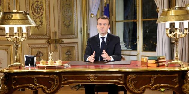 Macron demande de l'aide aux banques et aux grandes entreprises.