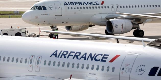 Grève à Air France: 30 % des vols annulés ce samedi, taux le plus élevé depuis le début du mouvement