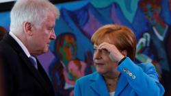 Le ministre allemand de l'Intérieur donne 2 semaines à Merkel pour résoudre la crise