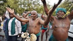 Tamil Nadu Farmers Arrive In Delhi With Skulls, Threaten Naked March If