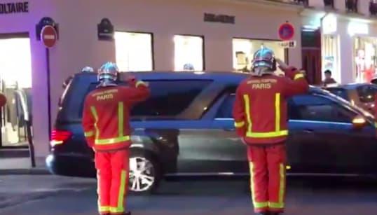 L'hommage des pompiers de Paris à leurs collègues morts dans l'incendie rue de