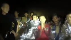 Un medico-sub che ha salvato i bambini thailandesi esce dalla grotta e scopre che il padre è