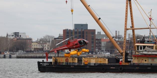 Crash d'hélicoptère à New York: le sac d'un passager serait à l'origine de l'accident selon le pilote