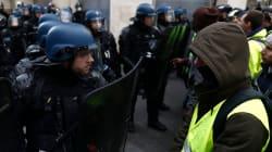 Sabato di paura a Parigi per il corteo dei gilet gialli, 55 feriti e oltre 700