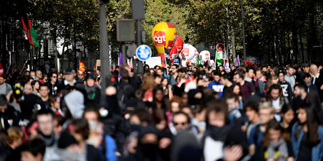 Face au grand écart police-syndicats, cette 3e méthode de comptage des manifestants s'imposera-t-elle? Image : des manifestants à Paris le 19 octobre.