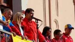 Maduro exige salida de diplomáticos de EU, Guaidó les pide