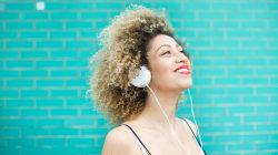 ¿Por qué escuchamos la misma canción repetida una y otra