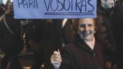 La emocionante imagen de una anciana manifestándose en Madrid que se ha convertido en símbolo de