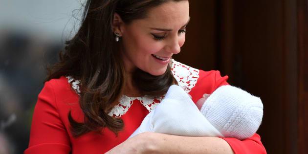 La duchesse de Cambridge et le prince Louis, le 23 avril dernier.