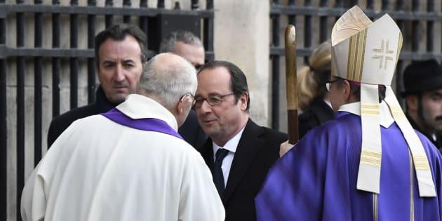 François Hollande arrivant aux obsèques de François Chérèque à Paris le 5 janvier 2017.