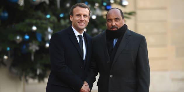 À droite de la photo, Mohamed Ould Abdel Aziz, le Président de la Mauritanie, reçu par Emmanuel Macron à l'Élysée, le 12 décembre 2017.