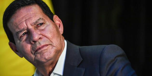 Même Jair Bolsonaro espérait avoir un colistier moins controversé et prompt aux dérapages qu'Hamilton Mourao.