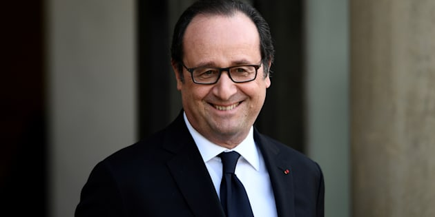 """François Hollande a répondu """"pourquoi pas!"""" à la proposition de jouer dans la série """"Dix pour cent""""."""