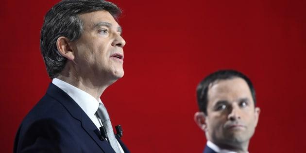 Arnaud Montebourt et Benoît Hamon lors du deuxième débat de la primaire de la gauche, le 15 janvier 2017. REUTERS/Bertrand Guay/Pool
