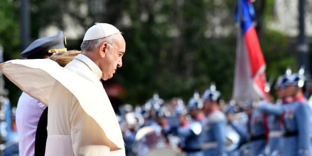 Papa Francesco in Cile tra le tensioni: chiese sotto attacco e marce di protesta