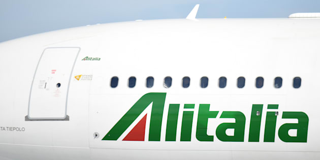 Pronto il decreto Alitalia: più tempo per trovare il comprat