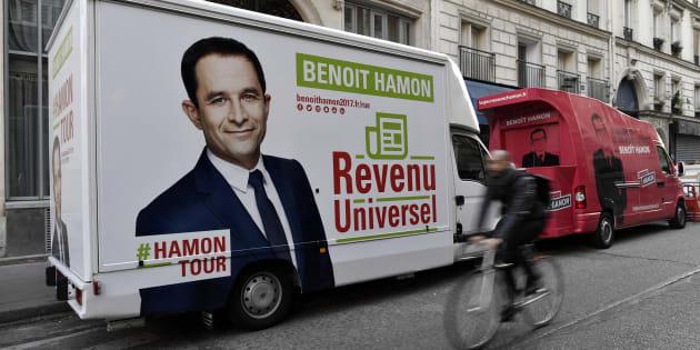 """""""Caravane du revenu universel et du pouvoir d'achat"""" de Benoît Hamon."""