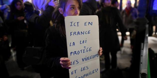 Une manifestation a eu lieu devant les bureaux du ministère de la Justice français en novembre dernier, après que la justice eut refusé de poursuivre deux hommes qui avaient eu des relations sexuelles avec des fillettes de 11 ans, faute de pouvoir démontrer qu'il y avait eu coercition.  Les manifestants réclamaient que l'âge légal du consentement sexuel soit fixé par la loi.
