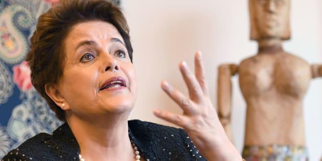 Colunista responsabiliza Dilma pela maior crise econômica da História brasileira.