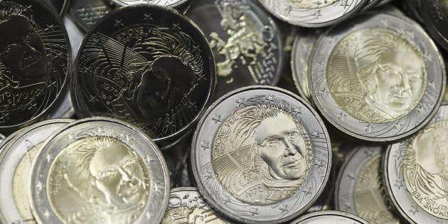 Quinze millions de pièces de 2 euros en hommage à Simone Veil vont être diffusées.
