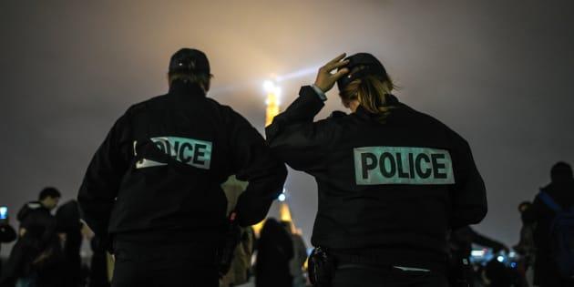 """Agression de deux policiers à Champigny-sur-Marne: """"J'ai pris des coups au visage, au ventre et sur les jambes"""" (photo d'illustration)"""
