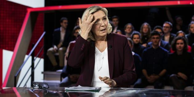 Marine Le Pen sur le plateau de France 2 pour