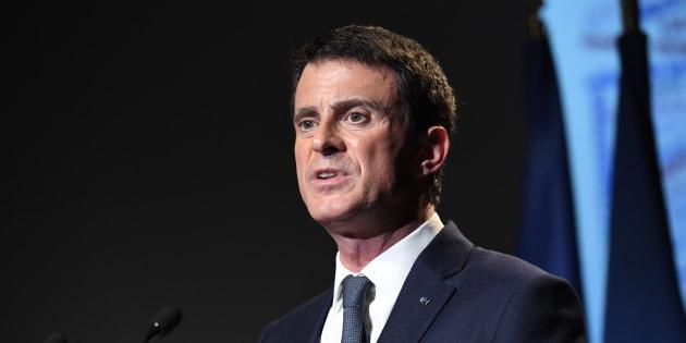 """Manuel Valls salue """"le choix d'un homme d'Etat"""" après le renoncement de François Hollande"""