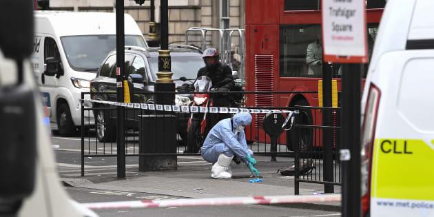 Arrestation d'un homme armé suspecté de vouloir commettre un attentat à Londres.