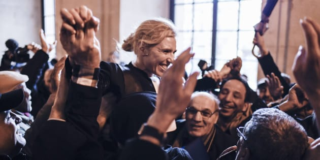 """L'avocat Clelie de Lesquen-Jonas célébrée par les """"Chibanis"""" à la Cour d'appel de Paris le 31 janvier 2018."""