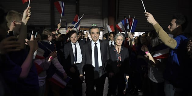 Le dernier joker de Fillon: 68% des électeurs de droite souhaitent son maintien