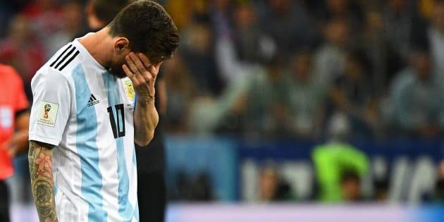 Cinco vezes melhor do mundo, Lionel Messi está perto de dar adeus de forma melancólica à Copa da Rùssia