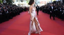 Bella Hadid récidive sur le tapis rouge avec une nouvelle robe