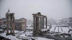 La magia di Roma sotto la neve fa il giro del mondo: 10 immagini per