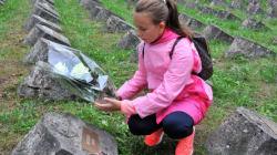 In Italia per un progetto con la scuola, ritrova per caso i resti di un suo antenato morto in